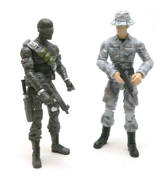 gijoe_pit_trooper_bottom