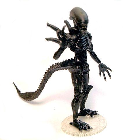 alien pose