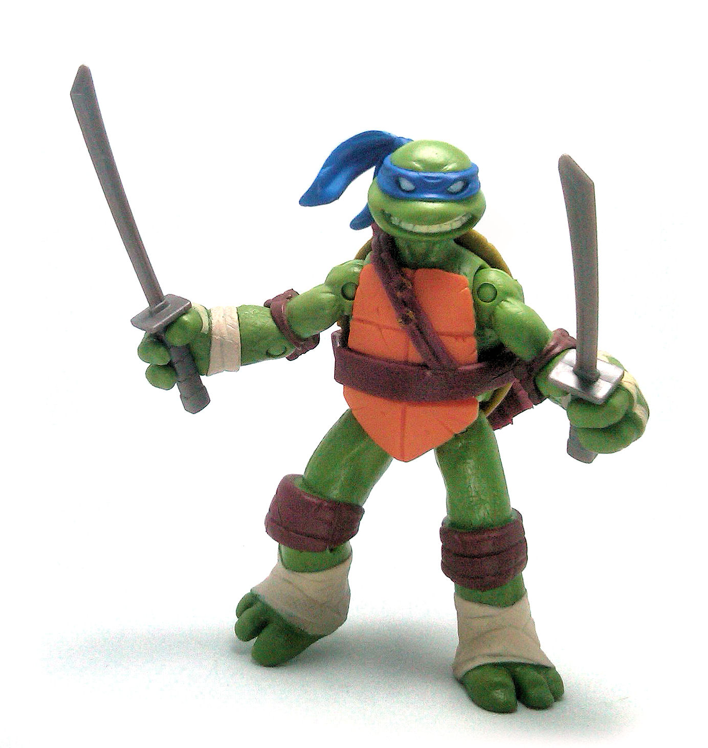 Leonardo TMNT Action Figure Review | TV and Film Toys